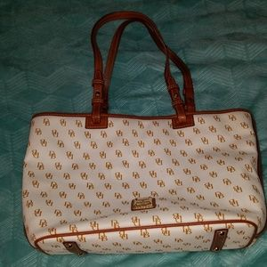 Dooney and Bourke Large Tote Bag